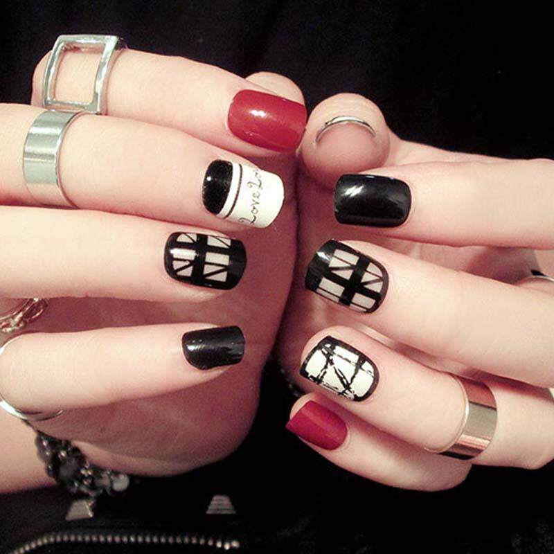 24pcs/set Red White and Black Transparent Lace Short Oval Nail Tips Fashion Geometric Patterns
