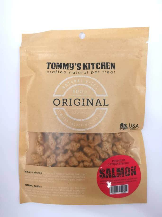 Tommys Kitchen Premium Catnip Biscuit 100g (salmon) By O Tokuda Enterprise.