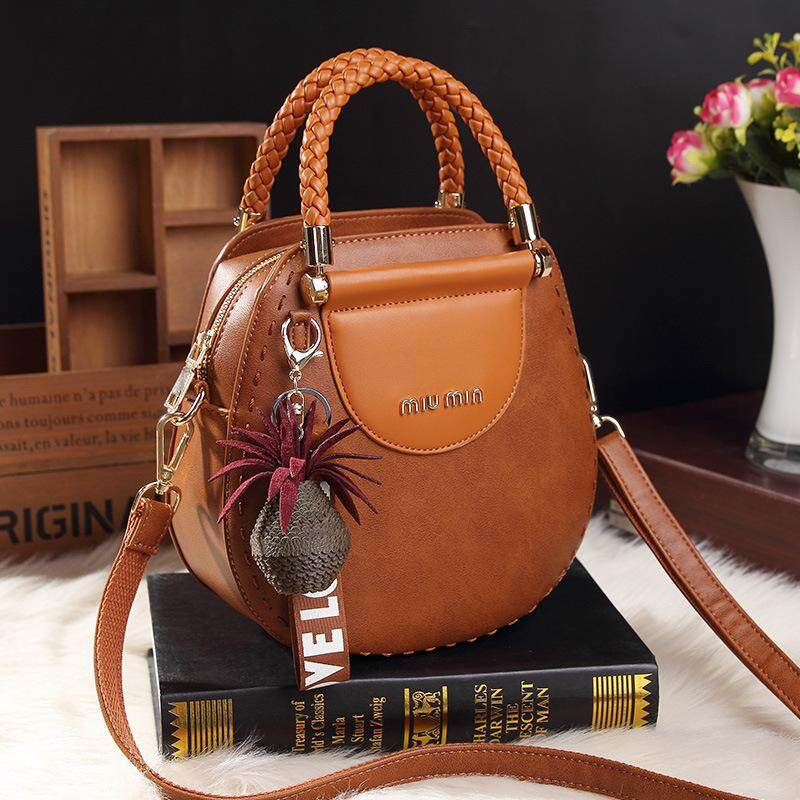 244a52919643 2018 spring and summer new fashion wild retro handbags Europe and the  United States fashion small