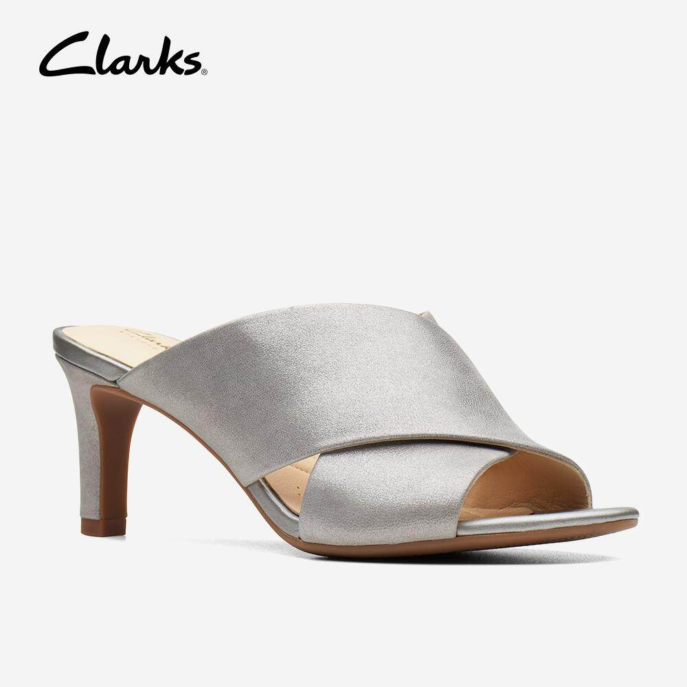 ed92ece7ad2 Clarks Laureti Claire Pewter Leather Womens Strappy Sandals (Pewter Leather)