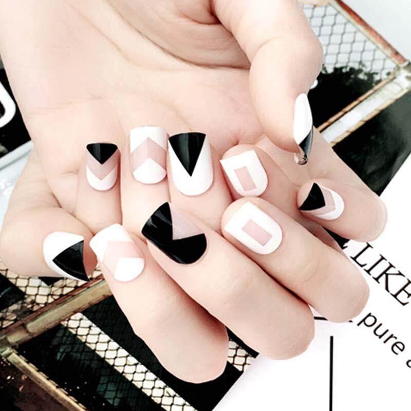 24 pcs/Set Fashion Black White French False Nails Geometric Triangle Short Head Artificial Nail