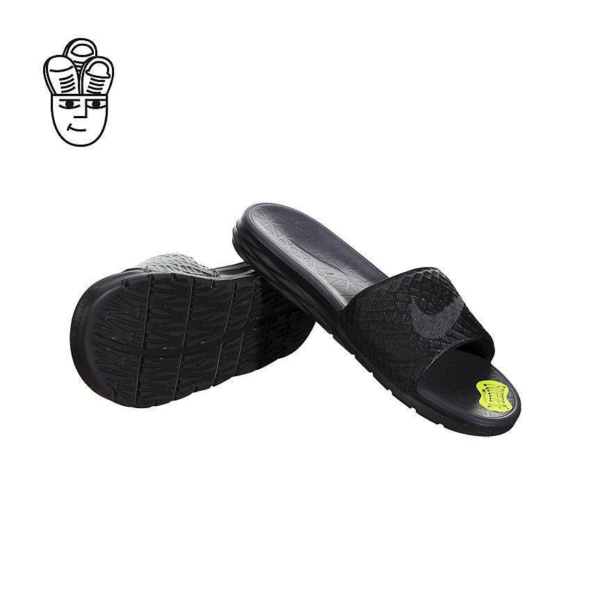 watch fd0a5 605f1 Nike Benassi Solarsoft Sandals Men 705474-091