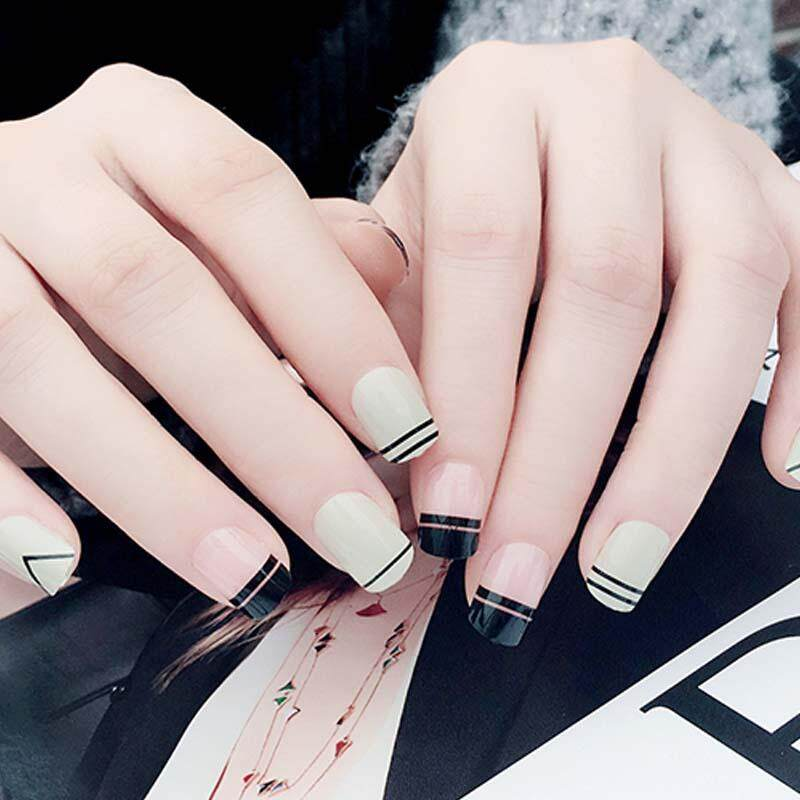 Korean Style Black and White False Nails Tips DIY Artificial Short Nails with Glue