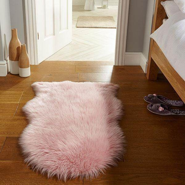 Inmazing Fashion Living Fluffy Wool Premium Faux Fur Rug
