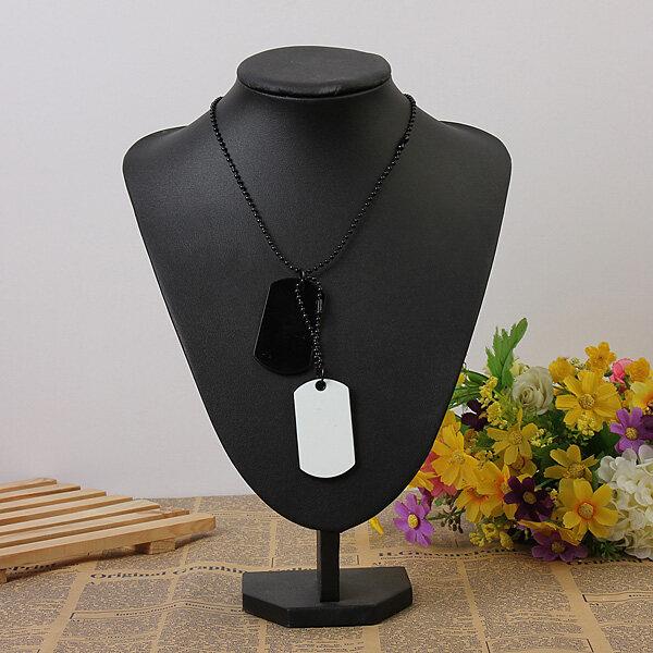 Gender: Men Color: Black And White Material: Alloy Necklace length: 68cm