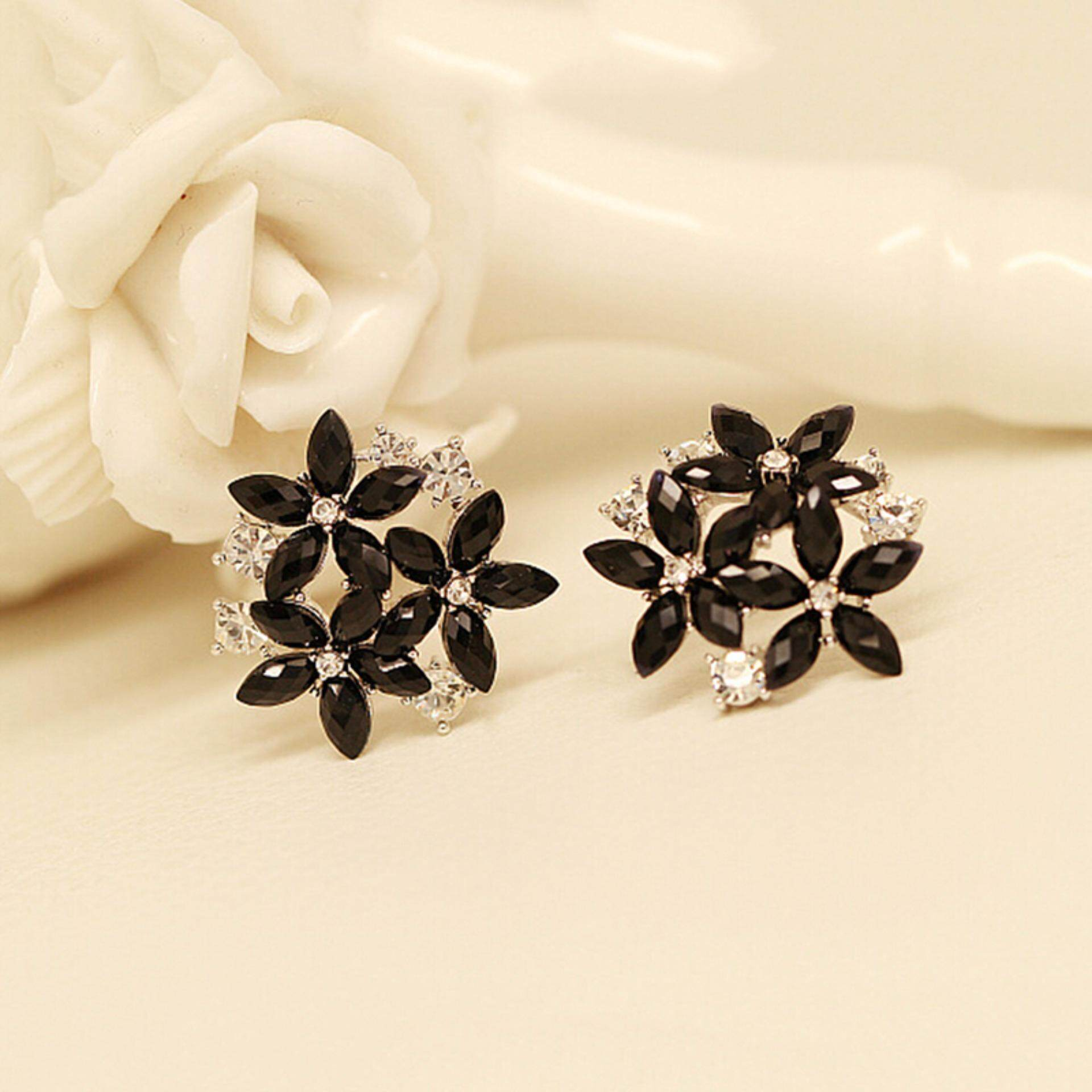 88ebc671cbe Pinellia flowers Women Crystal Stud Earrings 3 Flower Brincos Pendientes  Earrings Black