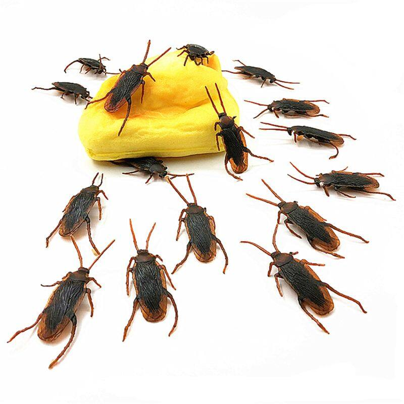10Pcs//Pack Fake Cockroach Prank Trick Joke Roach False Roaches Fun Toys 4.5cm