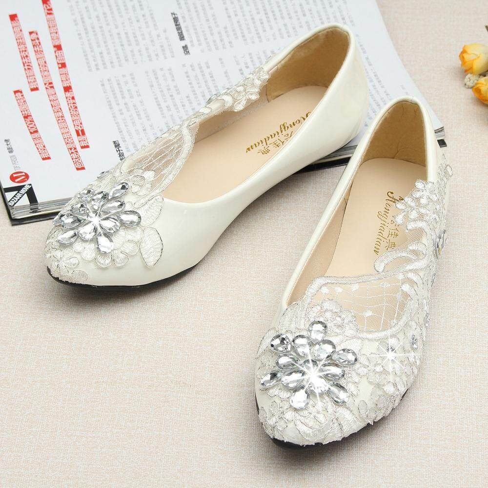 d351b7c70ed 1 Pair Of Shoes WHITE Note  1.Please allow 1-3cm error due to manual  measurement. Please make sure you do not mind before you bid.