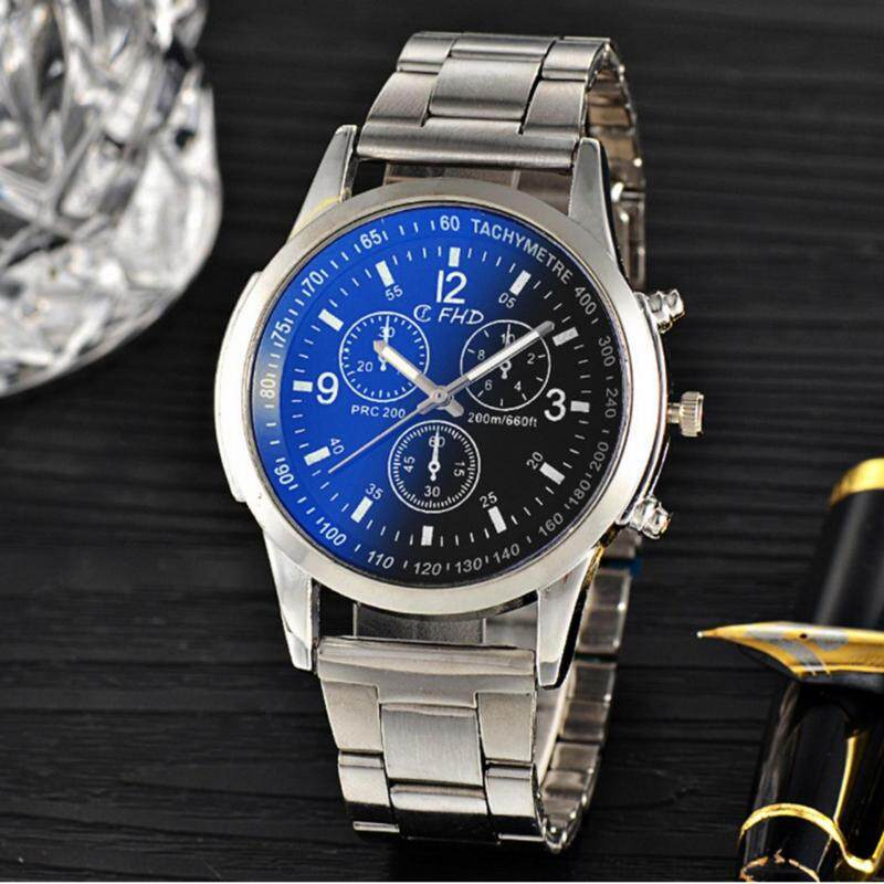2017 fashion mens dazzle blue light 3 eye alloy watch quartz wrist watch clock Malaysia
