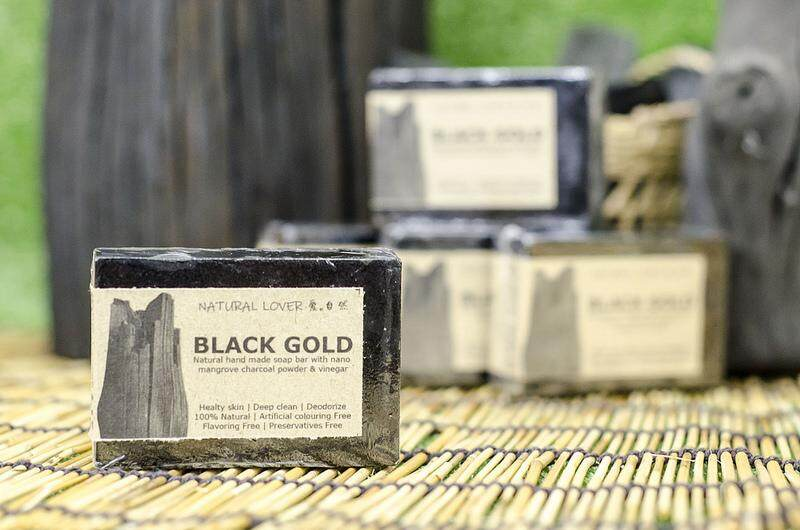 BLACK GOLD Charcoal Soap - Handmade with Mangrove Wood Vinegar 120gm